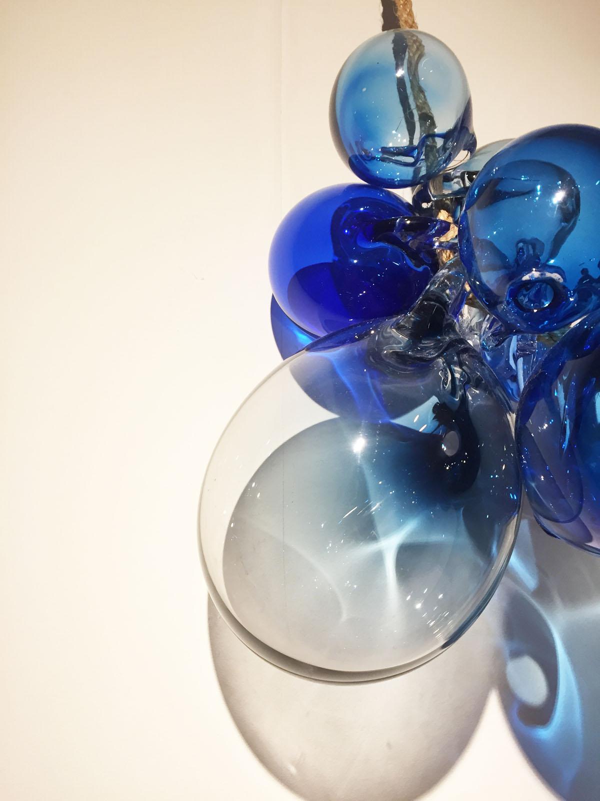 Bellentros, glas, blauw, marinke van zandwijk